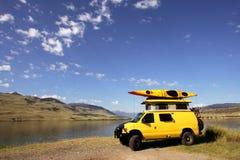 有篷货车黄色 免版税库存图片