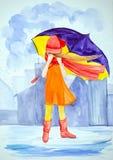 有紫色大伞架的一个年轻孤独的女孩在雨中在大厦中的城市 穿戴在一件淡桔色的礼服 向量例证