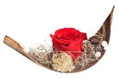 有红色玫瑰的爱情船 免版税图库摄影