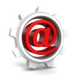 有红色电子邮件的白色齿轮在标志 库存照片