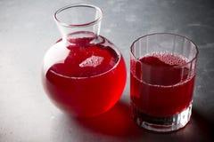 有红色的玻璃瓶子 免版税图库摄影