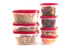 有红色盒盖的箱子用残余食物填装了 库存图片