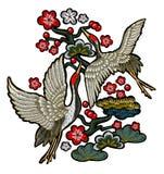 有红色花的日本白色起重机 免版税库存照片