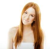 有红色飞行头发的,滑稽的姜秀丽年轻红头发人妇女 库存图片