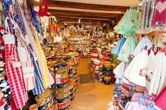 有纪念品的商店在阿尔萨斯, 库存照片