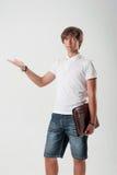 有纸情形的年轻人 免版税图库摄影