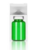 有纸箱的医疗瓶在白色 免版税库存照片