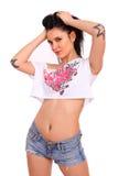 有纹身花刺的年轻性感的女孩 免版税库存图片