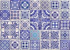 有维多利亚女王时代的动机的无缝的补缀品瓦片 色彩强烈瓦器瓦片,色的azulejo,原始的传统葡萄牙语 皇族释放例证