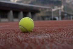 有网球的网球场 库存图片