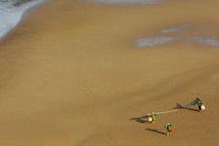 有网的女渔翁 免版税库存照片