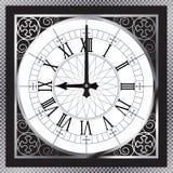 有罗马数字的豪华人造白金金属时钟 免版税库存照片