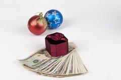 有美元的礼物盒 免版税图库摄影