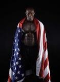 有美国国旗的肌肉人 免版税库存图片