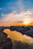 有美好的日落的河 库存照片