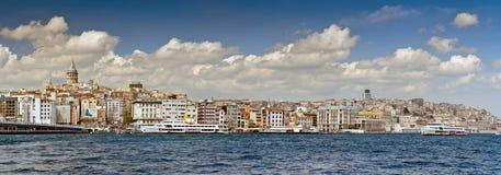 有老大厦的伊斯坦布尔全景 免版税库存图片