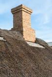 有传统盖的秸杆屋顶的议院 免版税库存照片
