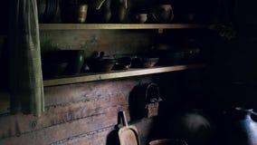有老瓦器的厨房木房子根据微明 股票录像