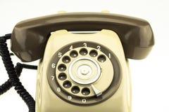 有老电话的新的巧妙的电话在白色背景 新的通讯技术 库存照片