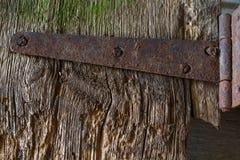 有老钉子的老木委员会 图库摄影