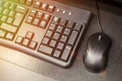 有老鼠的在桌上,企业概念,软的焦点键盘,定调子卖 免版税库存照片