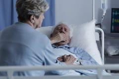 有肺癌的年长人 库存照片