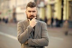 有胡子和凉快 行家出现 时髦的胡子和髭秋天和冬天季节 胡子时尚和理发师 免版税库存照片
