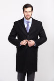 有胡子的英俊的办公室商人在典雅的衣服穿戴了, 免版税库存照片