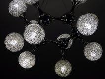有脱氧核糖核酸结构设计的黑天花板灯 免版税库存图片