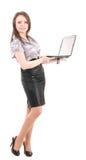 有膝上型计算机的年轻女实业家 库存图片