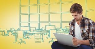 有膝上型计算机的Milennial人反对黄色和蓝色手拉的办公室 免版税图库摄影