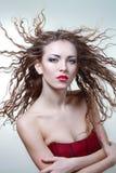有自然卷发的妇女 库存图片