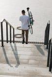 有自行车的人 免版税图库摄影