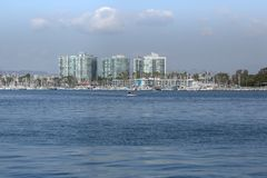 有船民的德拉瑞码头,加利福尼亚主水道深在 库存图片