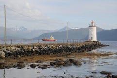 有船的烽火台 库存图片