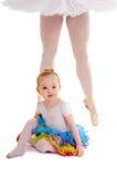 有芭蕾舞女演员腿的舞蹈孩子 免版税库存照片