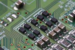 有芯片和收音机组分的电路板 库存图片