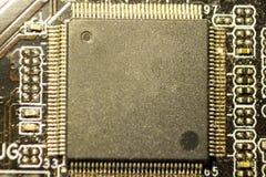 有芯片的委员会由电动元件 图库摄影