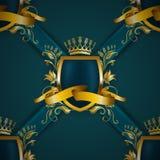 有花卉元素的金黄皇家盾 免版税图库摄影