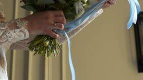有花束的新娘 股票视频