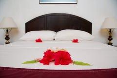 有花的卧室 免版税库存图片