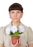 有花的妇女。自创工艺。钩针编织 免版税库存照片