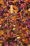 有花的有机,自然防臭剂 库存图片