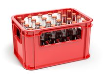 有苏打或可乐的瓶在瓶的红色strage条板箱 图库摄影