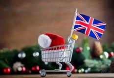 有英国旗子的超级市场推车 免版税库存图片