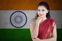 有莎丽服衣裳的华美的印地安妇女 免版税库存图片