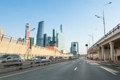 有莫斯科国际商业中心的第三条环行路 免版税图库摄影