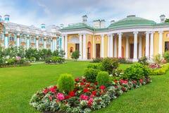 有著名玛瑙房间的Ð ¡老巴恩在凯瑟琳公园, Tsarskoye 库存图片