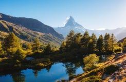 有著名高峰马塔角的伟大的全景 地点地方Swis 图库摄影