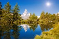 有著名高峰马塔角的伟大的全景 地点地方Swis 库存照片